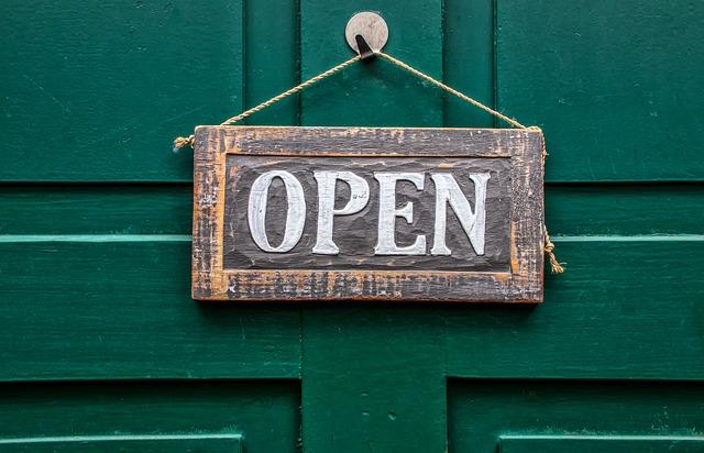 open-4033043_640