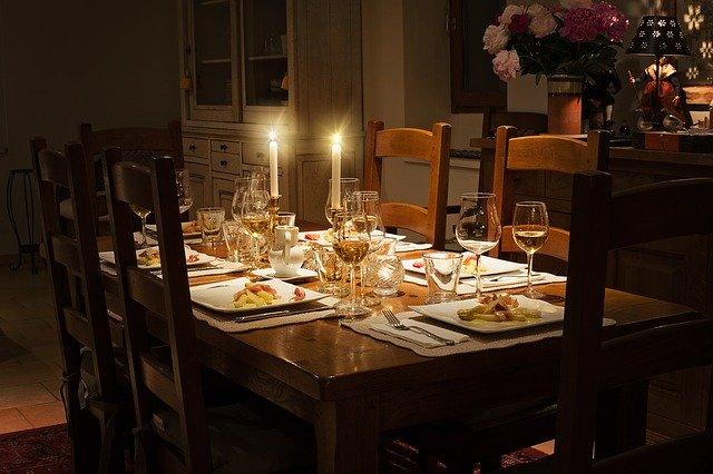 dinner-1433494_640