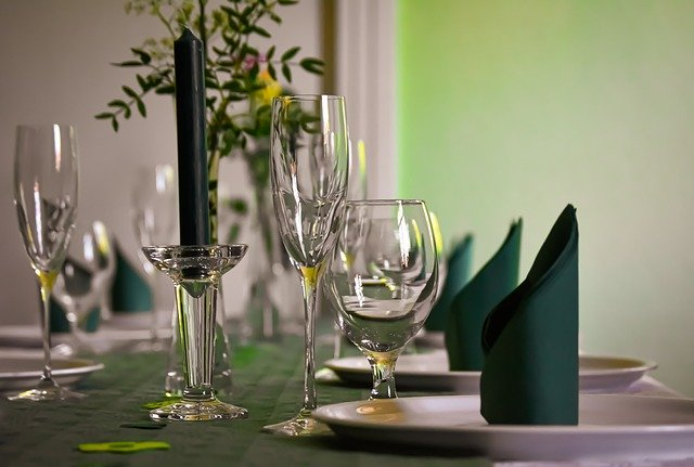 gedeckter-table-5034950_640